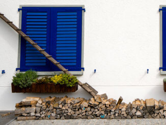 Katzentreppe vor einem Haus